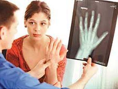 Препарат Остео Комплекс будет полезен как ребенку, так и старику, человеку средних лет для профилактики возникновения и лечения остеопороза.